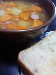 ライ麦パン&野菜スープ